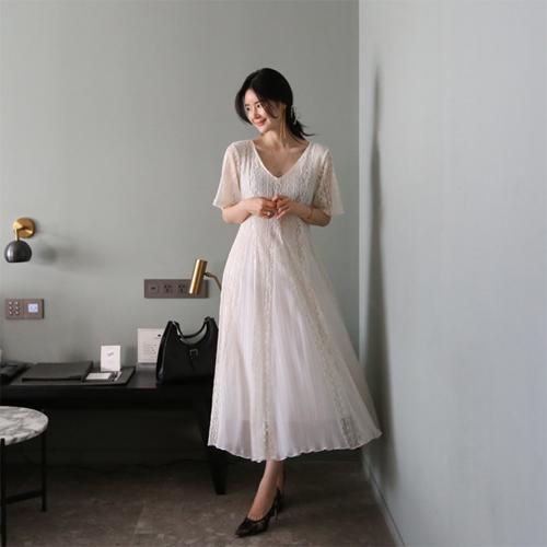 Pleats lace dress