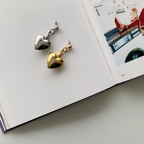 Volume heart earring *골드, 3월16일 입고예정*